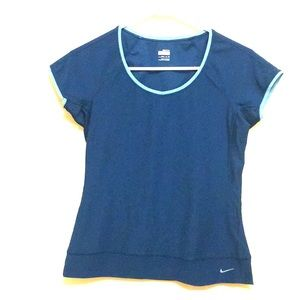 Nike fit dry top Size Small